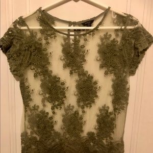 GUESS TOP SAGE GREEN SIZE MEDIUM SEXY AND ROMANTIC